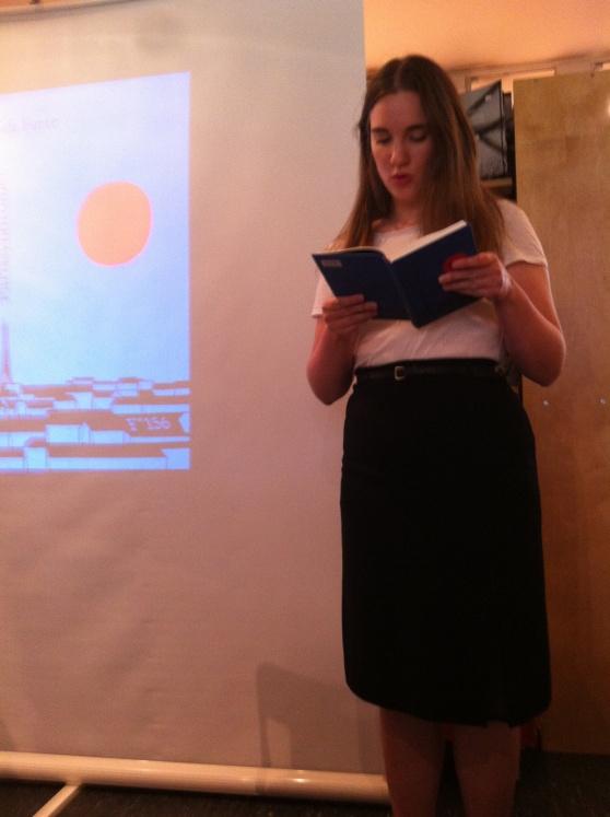 Heidi Furre les får Parissyndromet under Flamme forlag si haustlistelansering, 12.08.2013